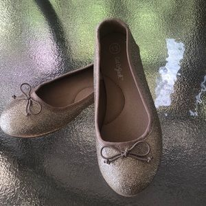 Cat and jack gold glitter ballet flats. Size 13.